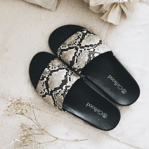 NEW ♦︎ SNAKESKIN SLIDES